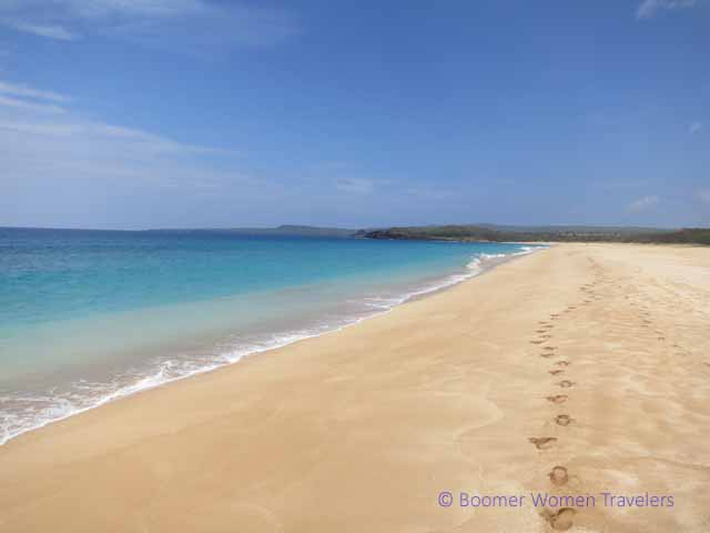 """Papohaku Beach (Three Mile Beach) in Molokai"""